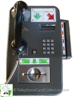 Carphone payphone with additional credit card reader